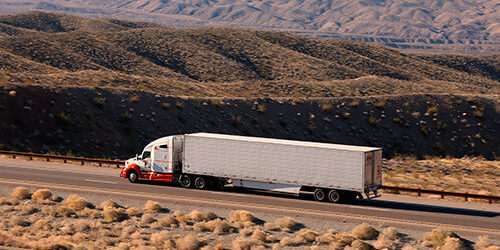 Dry van crossing the US